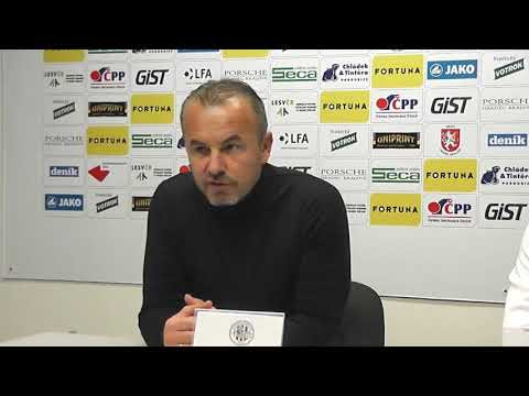 Trenér Frťala hodnotí derby s Pardubicemi na tiskové konferenci