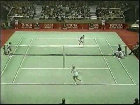 Chris Evert d. Tracy Austin - 1982 Meadowlands Year-End Championships SF Video