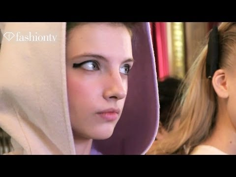 Models Backstage at Tsumori Chisato Fall 2012 | Paris Fashion Week | FashionTV