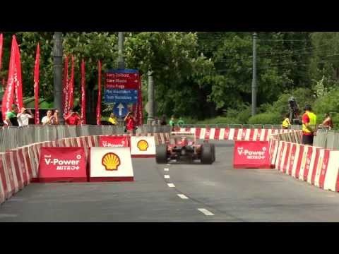 F1 2013 - Ferrari - Felipe Massa at Warsaw Street Demonstration (Clip)