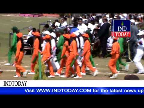 Telangana hosts Independence Day celebrations at Golconda Fort| Chief Minister allots land to dalits
