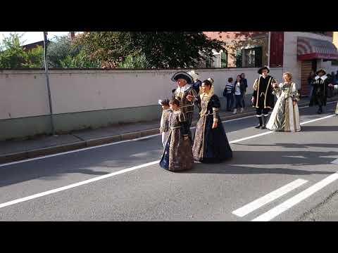 7  ottobre 2018 XXX festa a Gessate (Mi) con corteo storico e sbandieratori di Chiari (Bs). thumbnail