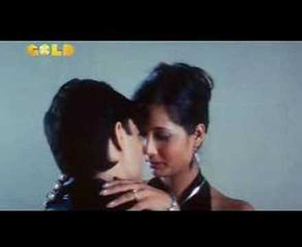 Shruti Sharma Kissing video
