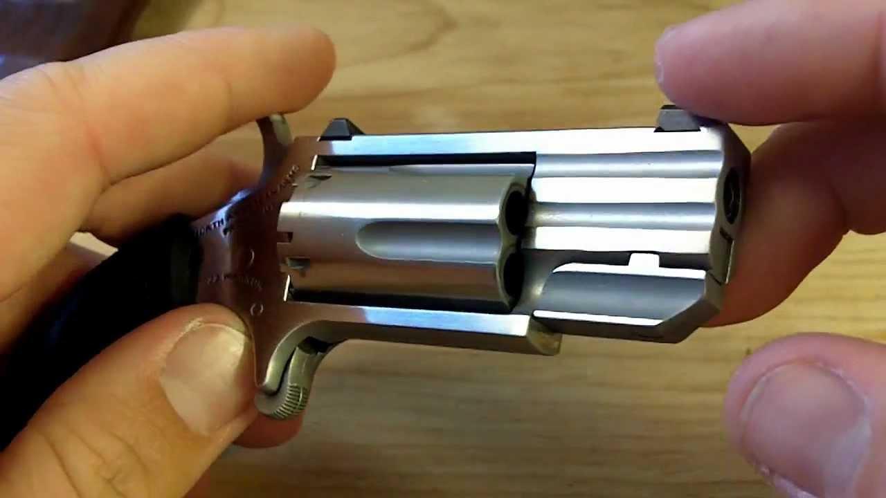 Derringer 22 Magnum 5 Shot Naa Pug 5 Shot 22 Magnum
