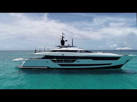 Luxury MegaYacht - Custom Line 120' -  Ferretti Group