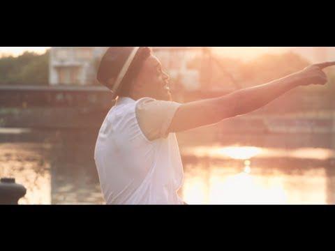 image video Corneille - Les sommets de nos vies [Clip Officiel]
