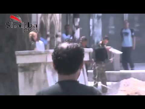شاب سوري بطل يركض كالنمر و ينقذ حياة الرجل المصاب بعد ان قنصه الشبيحة