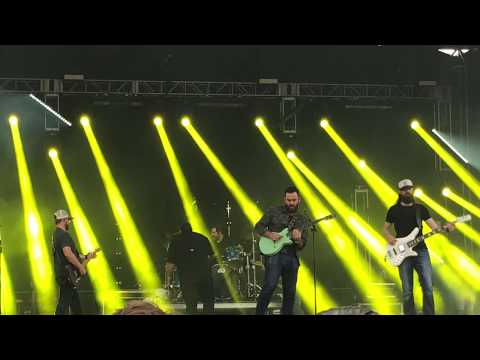 Luke Combs - Beer Never Broke My Heart- Live At The Innings Music Festival - Tempe Arizona