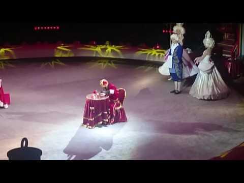 Цирк на Вернадского. Артистичная обезьяна