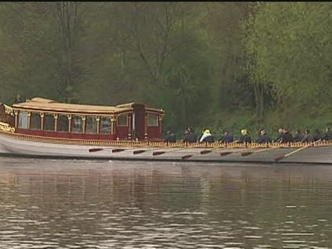 The Queen s Diamond Jubilee barge launched onto the Thames