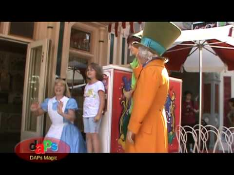 2.Musical Chairs - Alice in Wonderland Mad Hatter Queen of Hearts...