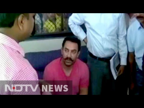 Aamir Khan visits drought affected Beed