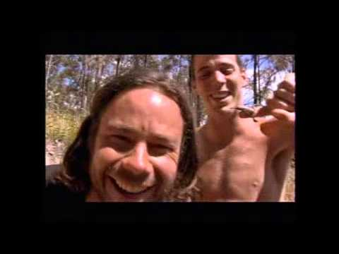 Scorpion Stings Chris & in bath with crocodiles! -Wildboyz