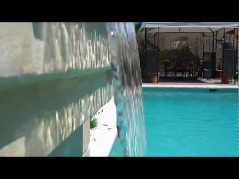 Fuente cascada decorativa para piscina spa youtube - Fuentes para piscinas ...