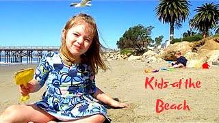 KIDS ON THE BEACH PLAYING IN CALIFORNIA | Our Candid Kids