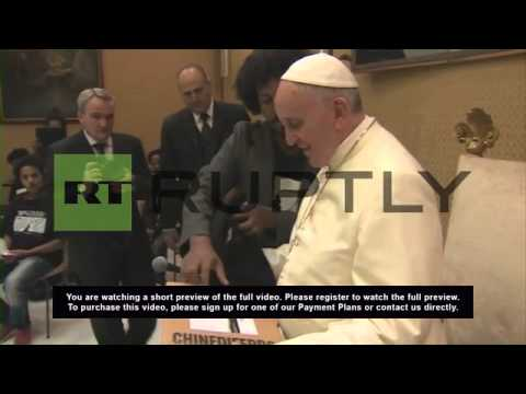 Holy See: Pope meets survivors of Lampedusa refugee shipwreck