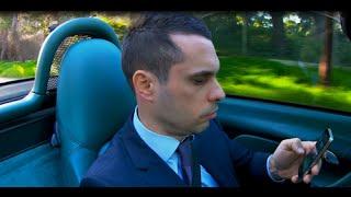 Carlos va a visitar a su familia. Campaña seguridad vial