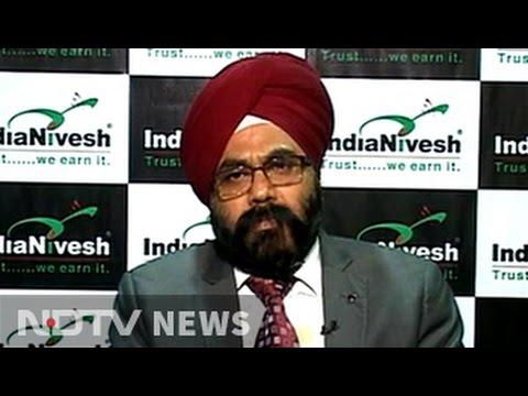 Buy Mahindra & Mahindra on dips: Daljeet Kohli