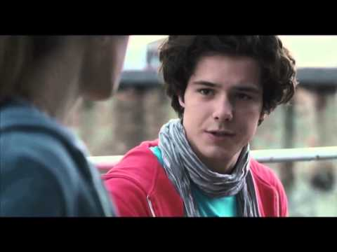 BLANCA COMO LA NIEVE, ROJA COMO LA SANGRE- Trailer Español