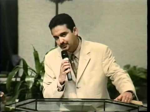 Pastor Tommy Moya Casados pero Miserables