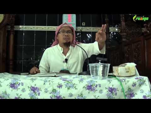 Ust. Mizan Qudsiah - Menggapai Pintu Surga Dengan Berbakti Kepada Suami