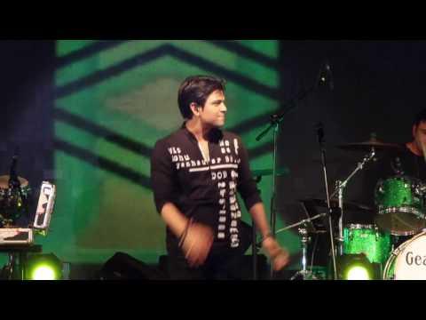 Dil Cheez Tujhe Dedi | Airlift | Ankit Tiwari Live Performance | Bollywood Lineup