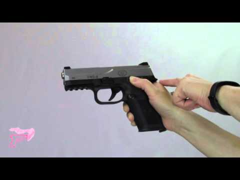 How to Lock Back a Slide on a Semi-automatic Pistol