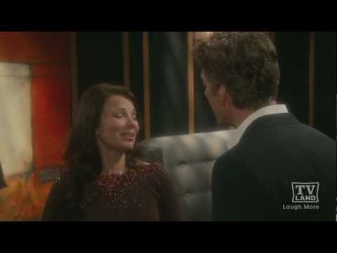 On The Set of 'Happily Divorced' with Fran Drescher - Health Beauty