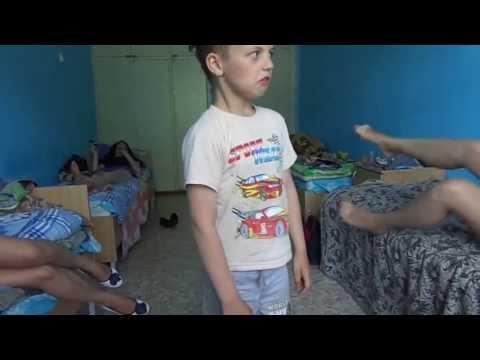 pisayushie-deushki-skritaya-kamera-v-tu