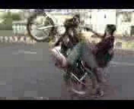 Royal Enfield Bullet stunt in Delhi