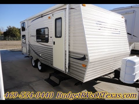 2008 summerland 1890 Light Weight Travel Trailer Sleeps 7 in great comfort!