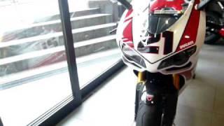 Ducati 1098R Bayliss LE in Ducati tokyo west