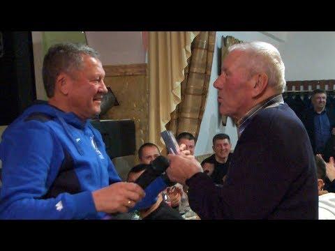 Мирон Маркевич вручив подарунок найстаршому уболівальнику ФК Агробізнес (Волочиськ)