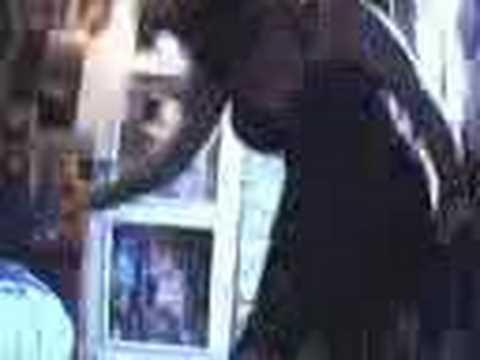 Gadis Iran buang peluh dlm bilik