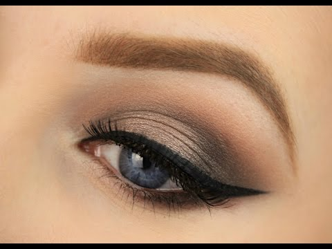 Subtle Spotlight Smokey Eye