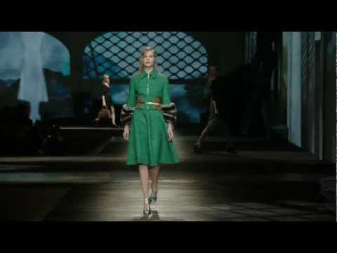 Prada Fall/Winter 2013 Womenswear Show #15
