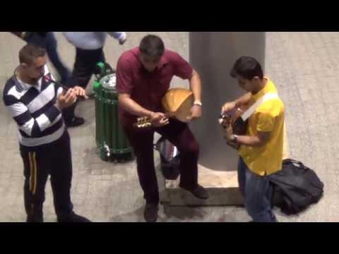 Как в Турции в Мерсине студенты зарабатывают на жизинь