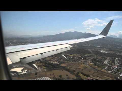 Aterrizaje en el Aeropuerto Juan Santamaría de Costa Rica