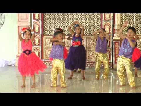 Lila Lila Lila - HD English Medium School Gathering Dance - 2016-17