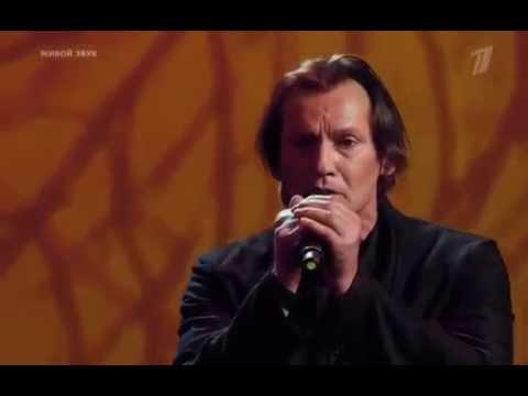 Клен, ты мой опавший исполняет Игорь Миркурбанов