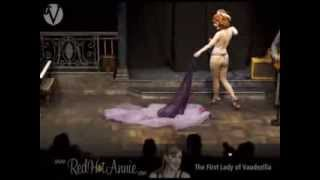 Chicago Burlesque - Red Hot Annie Improvisational Burlesque to Live Band