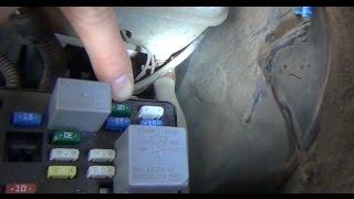 Замена предохранителя ABS (АБС) в монтажном блоке под капотом на KIA - Spectra