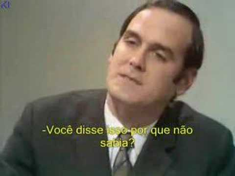 Monty Python - Job Interview (Portuguese Subtitles) Video