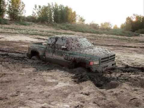 Trucks Mudding. Video