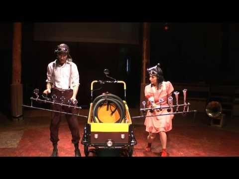 """Nationale 7"" - Spectacle acrobatique, burlesque et musical"