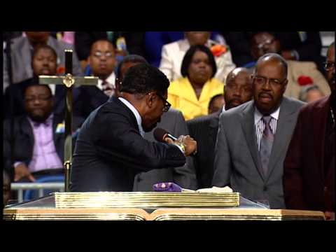106TH Holy convention Bishop Darrell Hines thursday night 2013