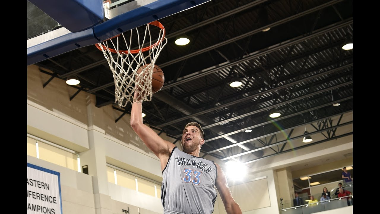 Mitch McGary Thunders His Way to a Win