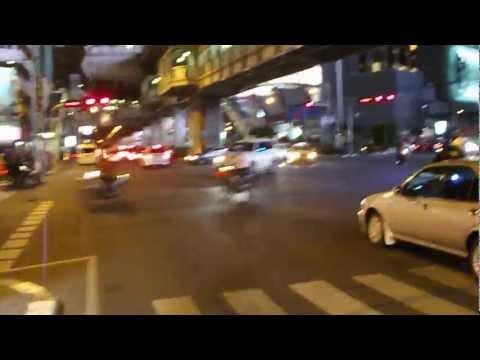 Bangkok – motorbike-taxi at night – part 1