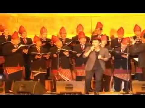 Grandiosso feat Judika   Ho Do Rajaku FLV