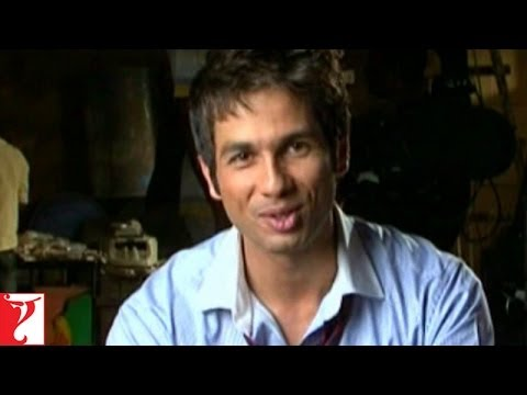 Making Of The Title Song - Badmaash Company